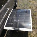 ソーラーパネルとサブバッテリー チャージコントローラーで充電